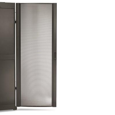 Дверца NetShelter SX 42U шириной 600 мм изогнутая черная перфорированная